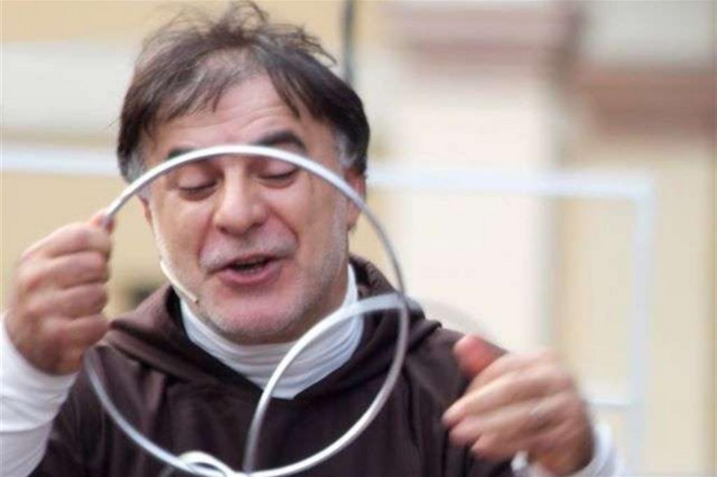 """Giugno Antoniano, Intrattenimento con frate """"Frate Mago"""""""