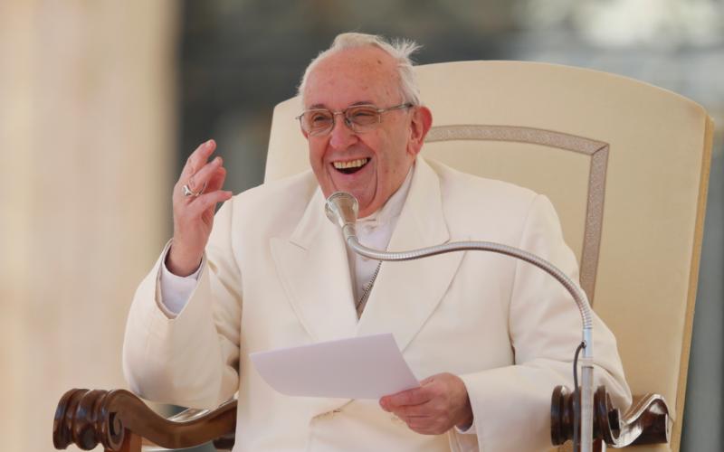 Lo sguardo di Dio sul mondo: la santità è per tutti