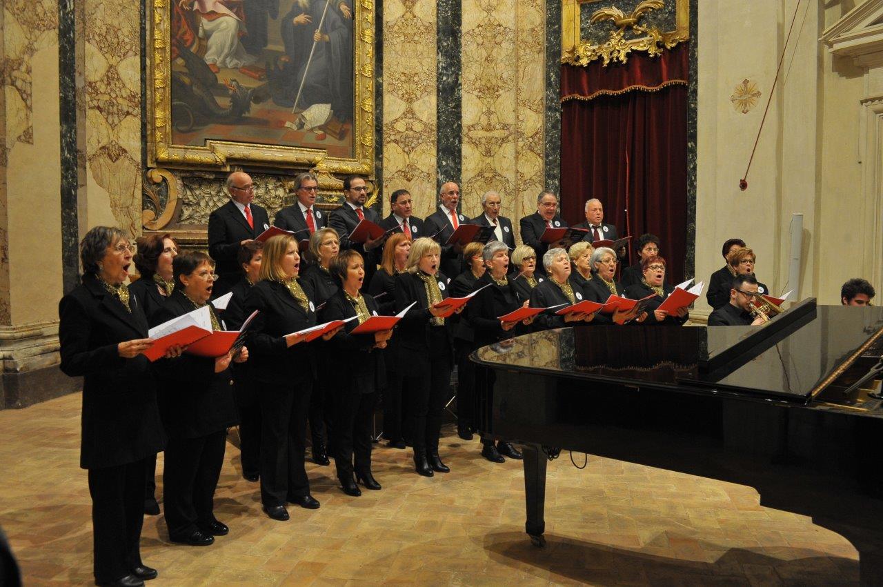 Cori delle terre del sisma del Centro d'Italia / Corale 99 ed Ensemble In…Canto