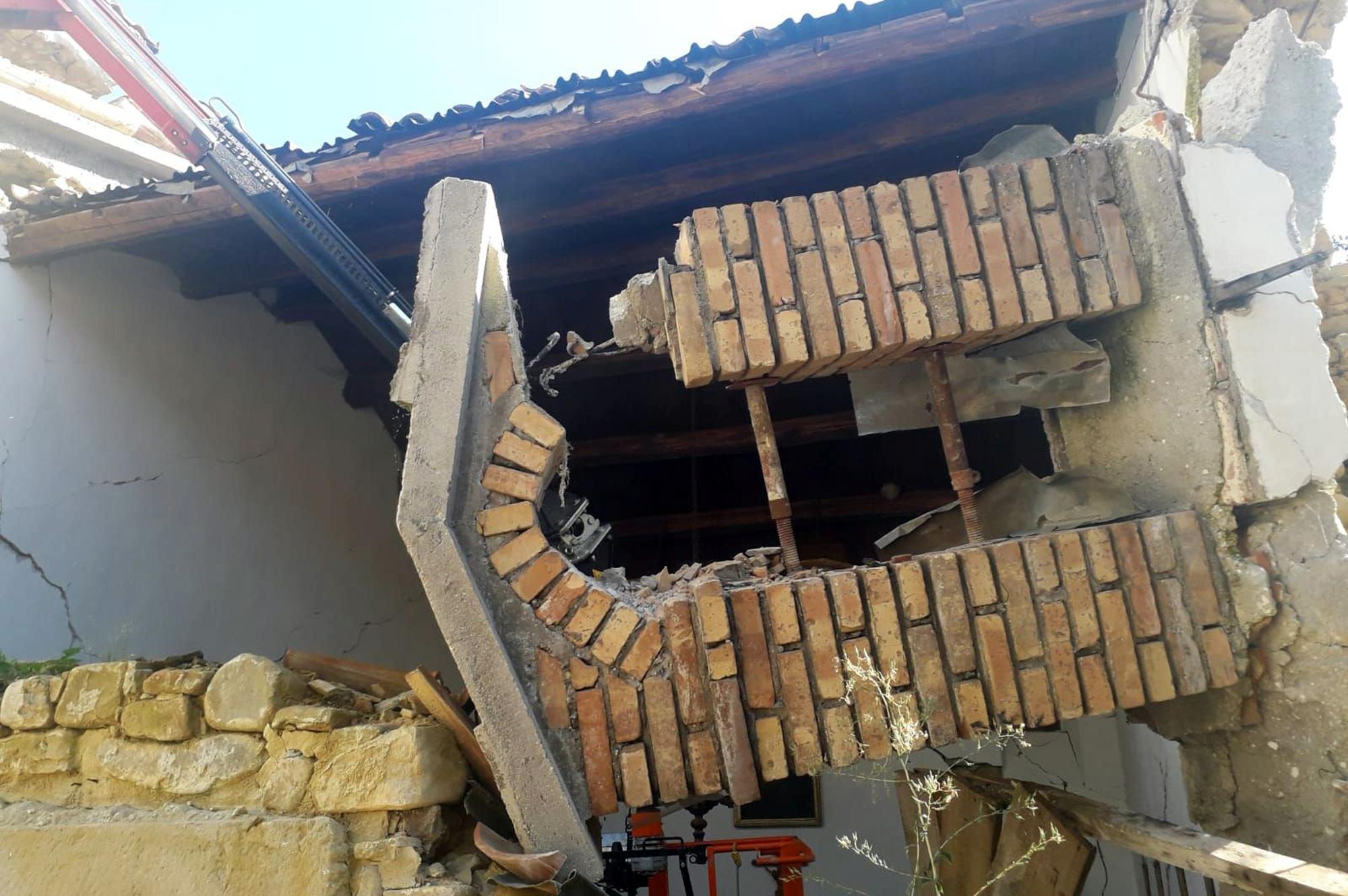 Collepagliuca, campanile crollato della chiesa dell'Addolorata