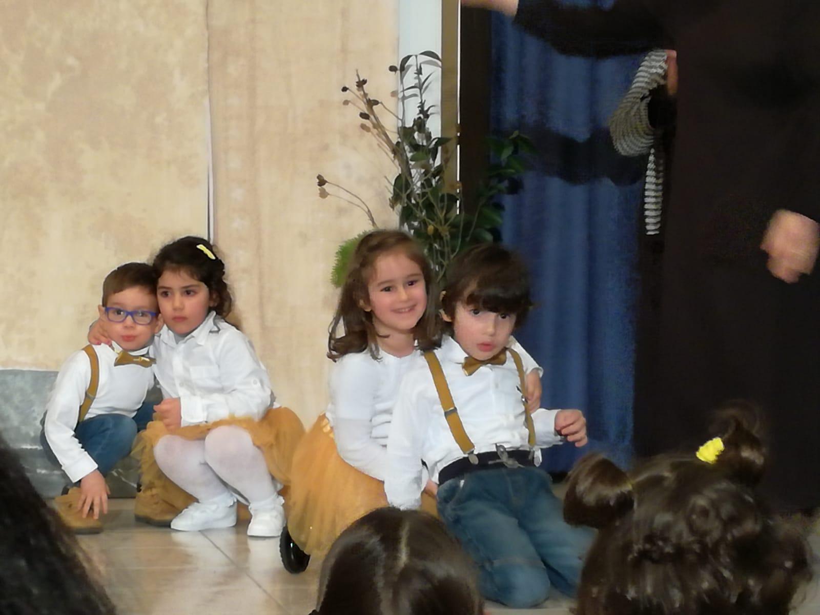 Vestito Da Stella Per Recita Di Natale.San Nicola Tra I Bambini Del Maraini La Sorpresa Prima Dello