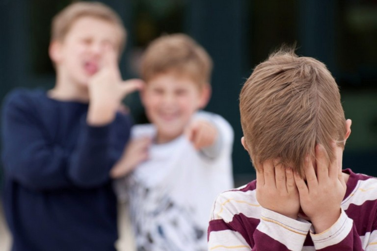 """""""Conseguenze legali ed azioni di recupero a tutela dei giovani coinvolti in atti di bullismo"""""""