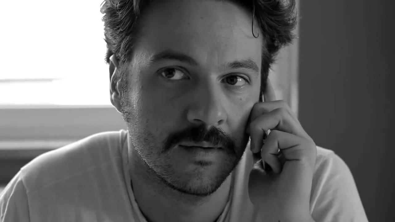 "ARTEr.i.e / Luca di Capua: attore e fondatore dei The Pills, legge ""Fontamara"""